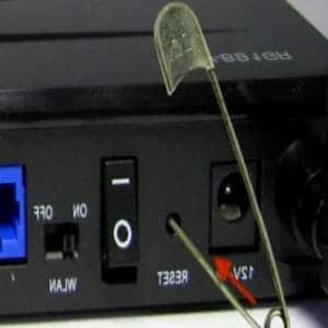 como resetear un modem izzi